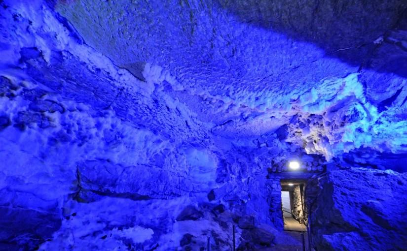 Кунгурская ледяная пещера-самая красивая владычица льда